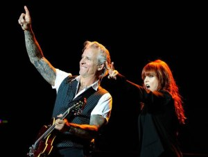 Pat-Benatar-Pearl-Concert-Photo