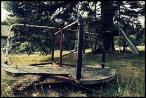 abandoned_playground_by_questa_durron